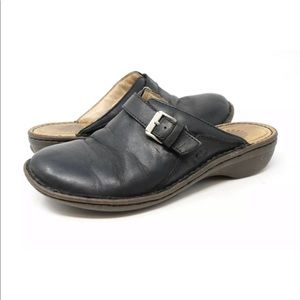 0971a435aa1 Ugg Livia Genuine Sheepskin Black Mules Slides
